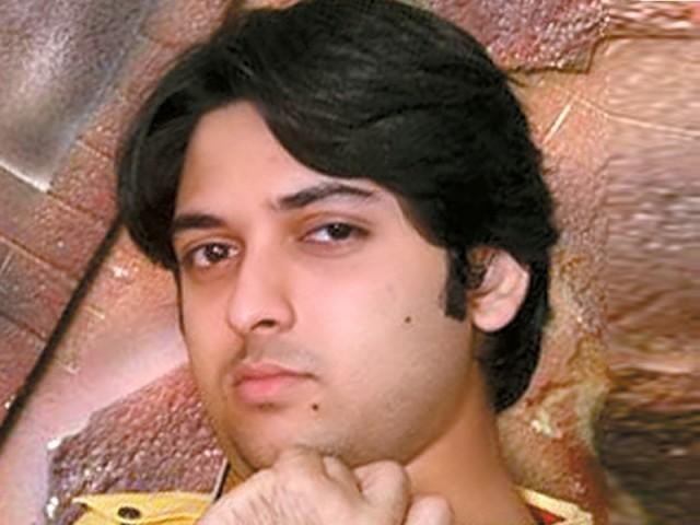 ندیم عباس کی آواز میں غریب بچوں کے لیے خصوصی گیت ریکارڈ - ایکسپریس اردو - 88872-NadeemAbbasPhotoFile-1360438033-776-640x480