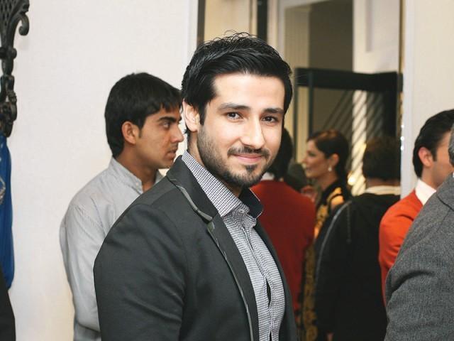 اسد مرزا، سائرہ رضوان نے لاہور میں اسٹور کا افتتاح کر دیا۔ فوٹو: سیوی پی آر اینڈ ایونٹس