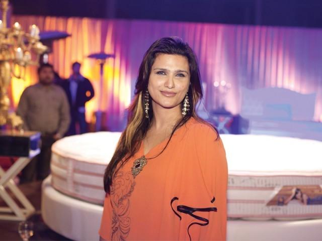 مونیکا پراچا، لاہور میں ماسٹر سیلسٹے آؤٹ لیٹ کا افتتاح۔ فوٹو: وورو پی آر