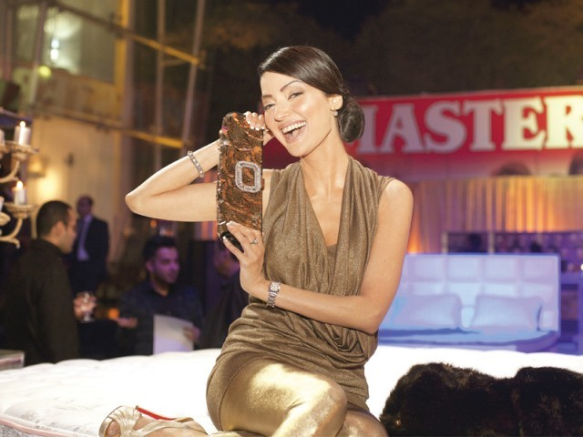 نتاشہ، لاہور میں ماسٹر سیلسٹے آؤٹ لیٹ کا افتتاح۔ فوٹو: وورو پی آر