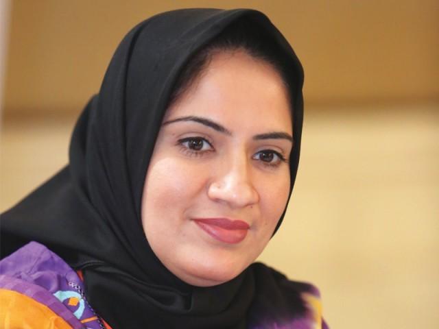 وفا شبیر پانچویں بین الاقوامی وویمن لیڈرز سمٹ کراچی میں موجود ہیں۔ فوٹو: نیو ورلڈ کانسیپٹس