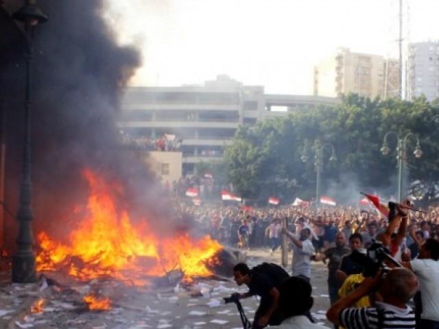 مصر میں محمد مرسی کے حامیوں اورفوج میں جھڑپیں، 32افراد ہلاک ، متعددزخمی