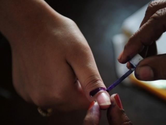 تکنیکی معاملات اور حکومتی عدم دلچسپی کی وجہ سے الیکشن کمیشن کیلیے انعقاد چیلنج. فوٹو: فائل