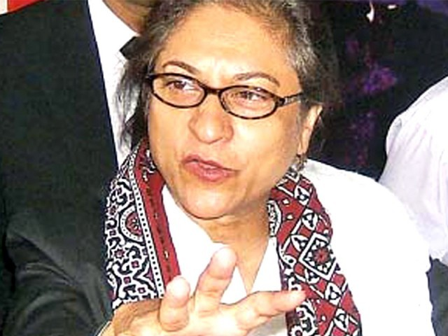 مشرف کا ٹرائل3نومبرسے نہیں 12 اکتوبر 1999 سے ہونا چاہیے، عاصمہ جہانگیر فوٹو: فائل