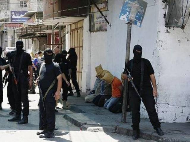 اسرائیلی جارحیت سے اب تک تقریبا 2100 فلسطینی شہید جب کہ 10 ہزار سے زائد زخمی ہو چکے ہیں۔ فوٹو؛ قدس نیوز۔