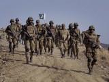گزشتہ سال کے مقابلے میں پاکستانی ملکی سمت کے تعین کے حوالے سے بہتر پر امید نظر آئے، بین الاقوامی سروے۔ فوٹو: فائل