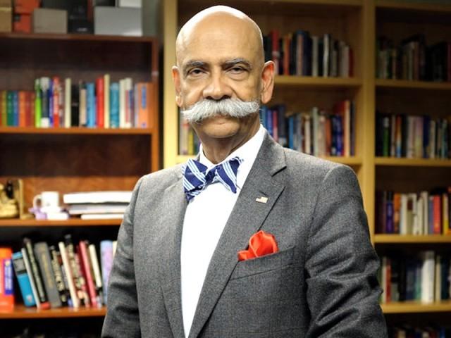 ڈاکٹر سرفراز خان نیازی مشہور اردو ادیب و مدیر، علامہ نیاز فتح پوری کے صاحب زادے ہیں۔  فوٹو : فائل