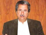 سابق وفاقی وزیر، بیوروکریٹ، دانشور اور تحریک انصاف کے مرکزی رہنما شفقت محمود سے مکالمہ۔ فوٹو: ایکسپریس