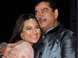 سوناکشی سنہا کو ان کی  فلم ''آر راجکمار'' کے ایک گانے ''گندی بات'' پر شدید تنقید کا نشانہ بنایا گیا تھا فوٹو فائل