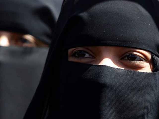 ماضی میں ہالینڈ میں برقع پر پابندی کی کوشش کو ملک کے آئین سے متصادم قرار دیا جا چکا ہے۔ فوٹو: فائل