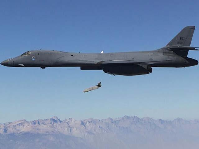عسکری ماہرین ''چیمپ'' کو جدید ترین جنگی ہتھیار قرار دے رہے ہیں فوٹو: فوک ٹوٹ الفا