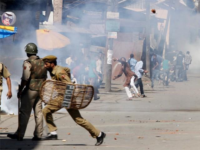 فوجیوں نے ان نوجوانوں کو ضلع کے علاقے مژھل میں جاری ایک فوجی کارروائی کے دوران شہید کیا۔ فوٹو: فائل