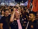 یونان کے ریفرنڈم کے بعد کی صورت حال کا جائزہ لینے کیلئے یوروزون کا ہنگامی اجلاس طلب کرلیا گیا ہے۔ فوٹو: اے ایف پی
