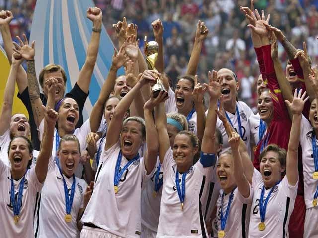 اس سے قبل امریکا کی خواتین ٹیم 1991 اور 1999 کا ورلڈ کپ بھی جیت چکی ہے۔ فوٹو: اے ایف پی
