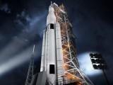 ایس ایل ایس کا وزن 55 لاکھ پاؤنڈ ہوگا جبکہ یہ اڑنے کے لیے 84 لاکھ پاؤنڈ کے بقدر تھرسٹ قوت فراہم کرے گا۔ فوٹو: ناسا