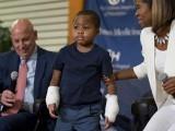 زایان گنگرین نامی مرض کا شکار ہوکر اپنے دونوں پاؤں اور ہاتھوں کو گنوا چکا تھا۔ فوٹو: فائل