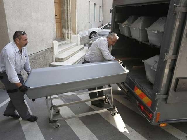 حکام کے مطابق مرنے والوں میں 59 مرد، 8 خواتین اور 4 بچے شامل ہیں، فوٹو اے ایف پی