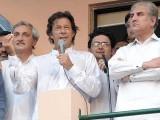 لاہور سے شعیب صدیقی، این اے 122 سے علیم خان اور لودھراں سے جہانگیر ترین ضمنی الیکشن لڑیں گے، چیرمین تحریک انصاف، فوٹو:ایکسپریس/ طارق حسن