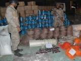 سیکیورٹی اداروں نے خودکش جیکٹس، راکٹ اور آئی ای ڈیز فیکٹری سے برآمد کرلیں تاہم کوئی گرفتاری عمل میں نہیں آئی۔ فوٹو:فائل