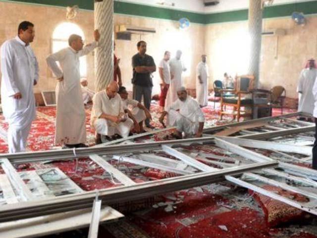سیکیورٹی فورسز نے فوری کاررائی کرتے ہوئے حملہ آور کو ہلاک کردیا جب کہ 2 مسلح افراد کو بھی گرفتار کرلیا، فوٹو: رائٹرز