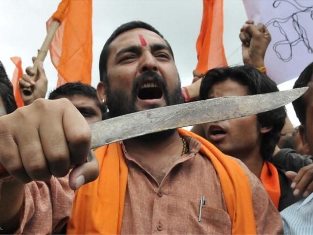 گزشتہ4 ماہ کے دوران300 فرقہ وارانہ فسادات ہوئے جن میں 35افراد کو قتل کیا گیا۔ فوٹو: فائل