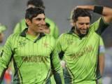 شعیب ملک، سہیل تنویر ، عمر اکمل، عماد وسیم اور عمران خان پر قسمت مہربان فوٹو: فائل