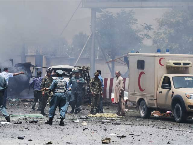 خودکش بمبار نے وزارت دفاع کی عمارت کے قریب افغان فوجی قافلے کو نشانہ بنایا،حکام۔ فوٹو:فائل