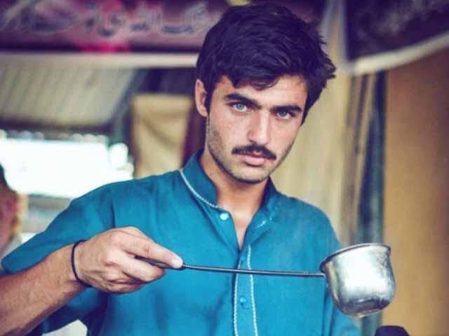 سماجی رابطوں کی ویب سائٹس پر خواتین ارشد خان کی تصاویر لگا کر جس قسم کی رائے دے رہی ہیں، اگر یہی کام مرد کسی خاتون کے ساتھ کرتے تو مردوں کی پوری کمیونٹی کو ناجانے کن کن القابات سے نواز دیا گیا ہوتا۔