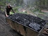 کوئلے سے شمسی پینلوں اور بیٹریوں سمیت کئی طرح کے جدید برقی آلات بھی تیار کیے جاسکتے ہیں۔ فوٹو؛ فائل