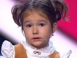 بچی کو عربی، چینی، جرمن، فرانسیسی، انگریزی، ہسپانوی اور روسی زبانوں پر عبور حاصل ہے۔  فوٹو؛ فائل