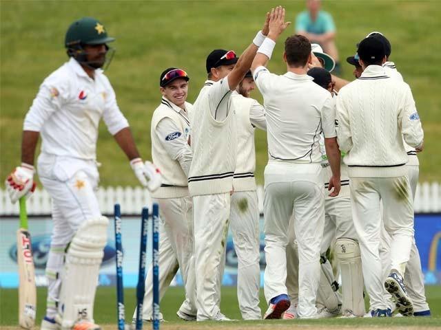 پاکستان کی جانب سے اظہر علی نے 57 اور سمیع اسلم نے 91 رنز بنائے۔ فوٹو: اے ایف پی