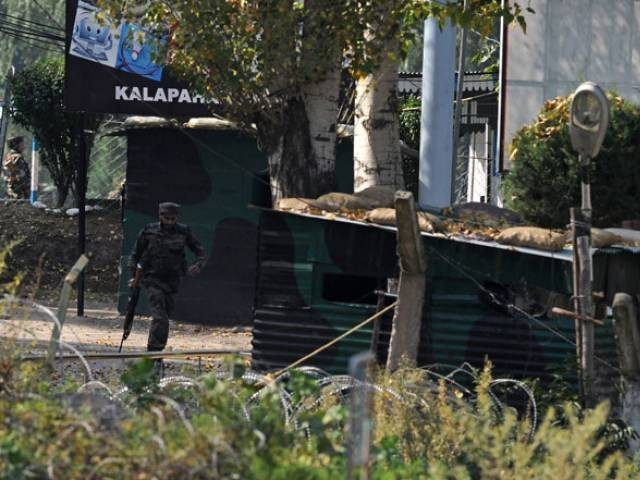 حملہ آوروں نے آرٹلری یونٹ کو نشانہ بنایا تاہم سخت سیکیورٹی کے باوجود حملہ ہونے کی تحقیقات کی جائے گی، وزیردفاع فوٹو:فائل