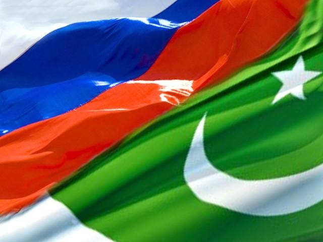 روسی کمپنیاں پاکستان میں تجارتی منصوبوں پر عملدرآمد کر رہی ہیں جن میں کراچی سے لاہورتک نارتھ ساؤتھ گیس پائپ لائن کی تعمیر بھی شامل ہے۔ فوٹو: فائل