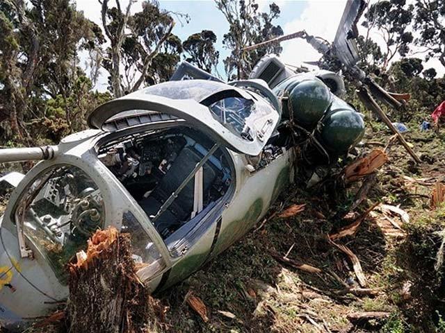 حادثے میں ہیلی کاپٹر کے دونوں پائلٹوں سمیت بھارتی فوج کے تین افسرہلاک ہوئے،فوٹو:فائل