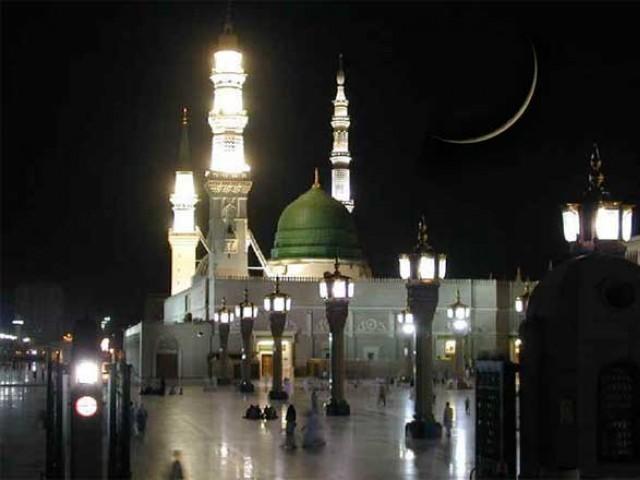 سندھ اور بلوچستان سے چاند نظر آنے کی مستند شہادتیں موصول ہوئیں، چیرمین مفتی منیب الرحمان، فوٹو؛ فائل