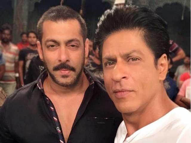 شاہ رخ خان نے سلمان کی نئی فلم کی نمائش کی تاریخ کا اعلان خود اپنے ٹوئٹر اکاؤنٹ کے ذریعے کیا۔ فوٹو؛ فائل