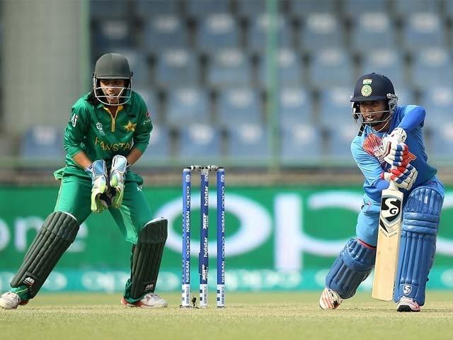 بھارتی اوپنر متھالی راج نے شاندار اننگز کھیلی اور 73 رنز بنا کر ناٹ آؤٹ رہیں،فوٹو:فائل