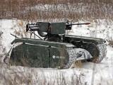 ٹینک کی اونچائی 3 فٹ ہے جو اپنے اوپر 3 فوجیوں کو بھی بٹھا سکتا ہے۔  فوٹوبشکریہ ملریم کمپنی