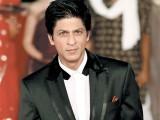 کبھی بھی فلم کی تیاری کے دوران تخلیقی پہلوؤں میں مداخلت نہیں کرتے، شاہ رخ خان۔ فوٹو: فائل