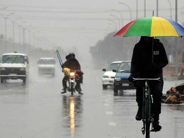 کراچی میں کل اور پرسوں بارش کا امکان ہے، محکمہ موسمیات۔  فوٹو : فائل