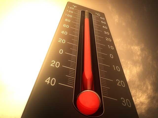 2016 کا اوسط درجہ حرارت 2015 کے اوسط سے 0.07 ڈگری سینٹی گریڈ زیادہ رہا جبکہ یہ انسانی تاریخ میں 1880 کے بعد دوسرا گرم ترین سال بھی ثابت ہوا۔ (فوٹو: فائل)
