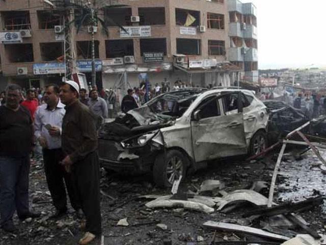 خود کش حملہ آور نے بارودی مواد سے بھری گاڑی بازار میں دھماکے سے اڑادی، حکام۔ فوٹو : فائل