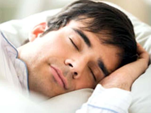 ذیادہ نیند اور ڈیمنشیا کے درمیان ایک گہرے تعلق کا انکشاف ہوا ہے۔ فوٹو: فائل