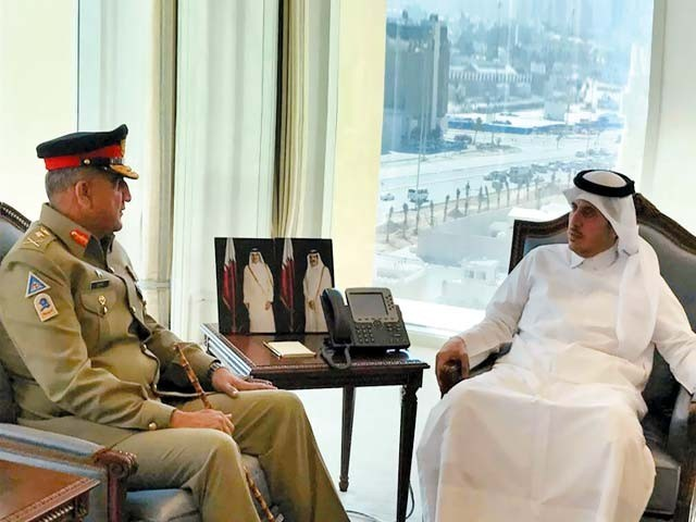 دوحہ: آرمی چیف جنرل قمر باجوہ قطری وزیراعظم شیخ عبداللہ بن نصر بن خلیفہ الثانی سے ملاقات کررہے ہیں