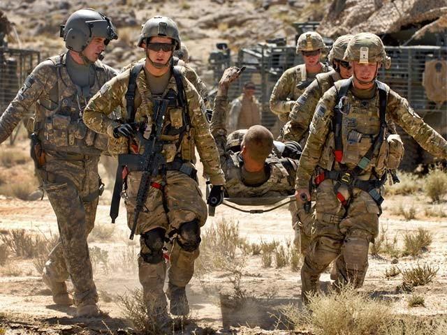 غیرملکی فوجی کیمپ میں افغان اہلکار نے اچانک فائرنگ شروع کردی تاہم جوابی کارروائی میں افغان اہلکار بھی ماراگیا،فوٹو:فائل