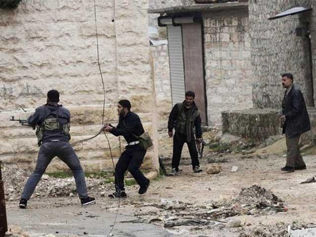 مارچ 2011 سے شروع ہونے والی خانہ جنگی میں اب تک 3 لاکھ سے زاہد افراد ہلاک ہو چکے ہیں. فوٹو: فائل