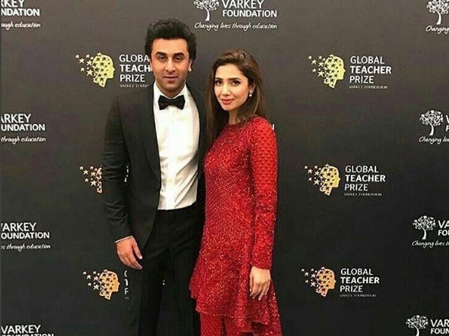 ماہرہ اور رنبیر کی اس ویڈیو پر سوشل میڈیا میں مداحوں کی جانب سے قیاس آرائیاں کی جارہی ہیں. فوٹو : انسٹاگرام