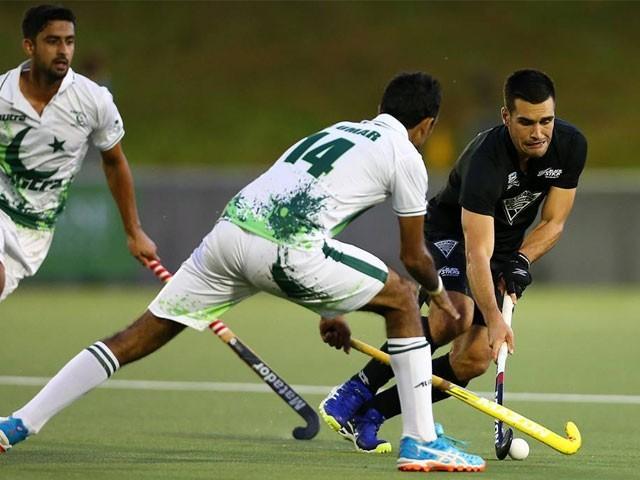 اس سے قبل پہلے میچ میں نیوزی لینڈ نے پاکستان کو 2-3 سے شکست دی تھی جب کہ دوسرا میچ ڈرا ہو گیا تھا ۔ فوٹو : فائل