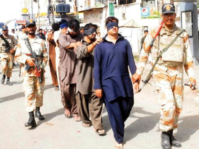 منگھوپیر سے کالعدم تحریک طالبان سوات گروپ کے 3 دہشت گردوں کو گرفتار کیا گیا، ترجمان رینجرز، فوٹو؛ فائل