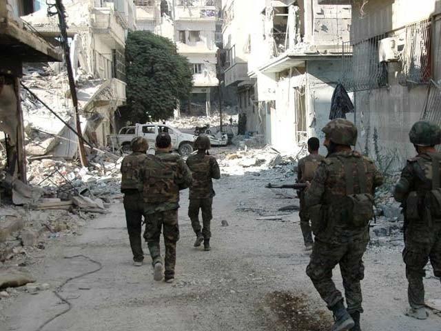سیکیورٹی فورسز کی دمشق کے نواح میں باغیوں کے ٹھکانوں پر شدید بمباری، عمارتوں کو نقصان پہنچا۔ فوٹو: فائل